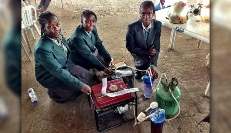 African girls invented a generator powered by urine!