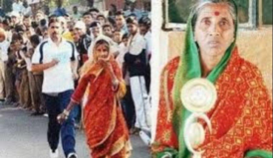 Sixty-six-year-old granny runs 'marathon' in a saree