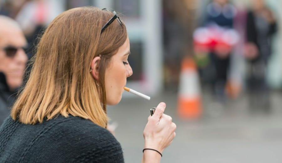 I'm a woman, a woman who smokes! So what?