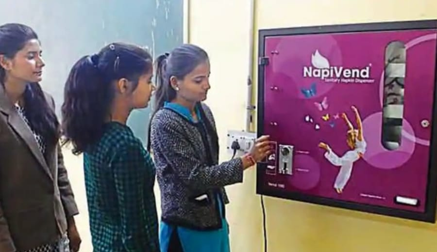 A Girls' College In Lucknow Got Its First Vending Machine For Sanitary Napkins