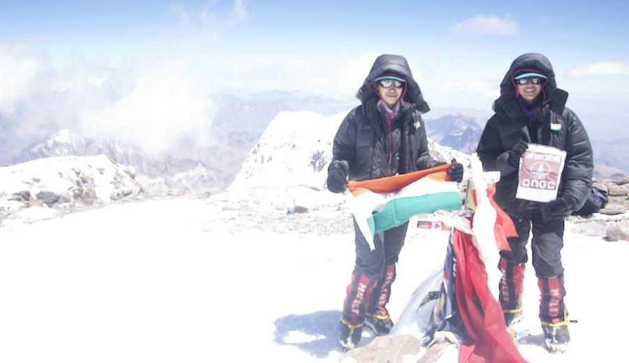 Twin sisters climb the seven summits across seven continents