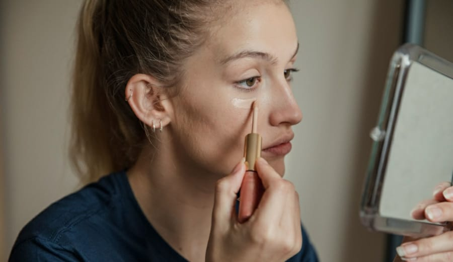 7 Reasons Why You Should Stop Wearing Makeup