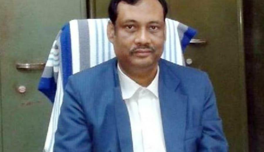 Virgin Bride AKA A Sealed Bottle, Says Jadavpur Professor & Gets Badly Slammed On Social Media