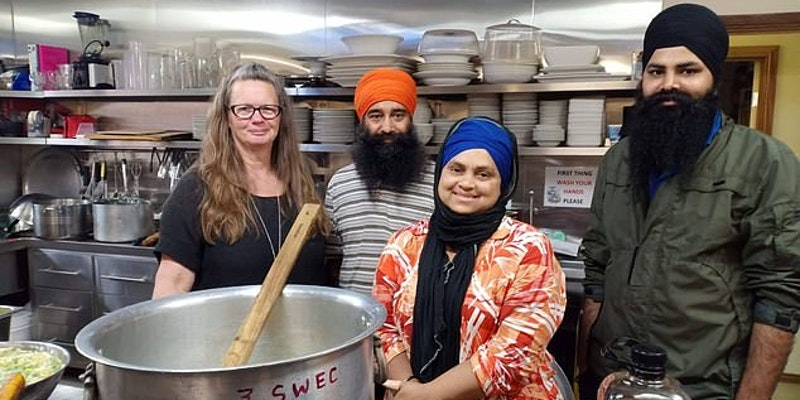 The New Age Mother Teresa Who Cooks 1000 Meals A Day To Feed Australian Bushfire Victims