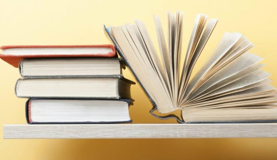 Top 4 Fantastic LGBTQ Books To Read